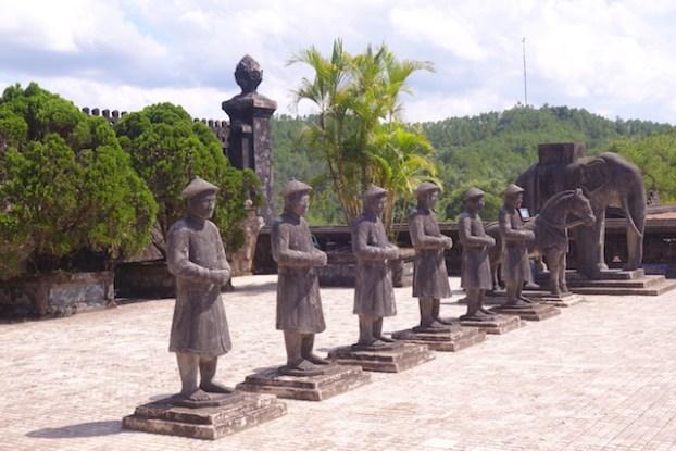 Tombe Impériale de Dong Khanh Hué Vietnam photo blog voyage tour du monde https://yoytourdumonde.fr