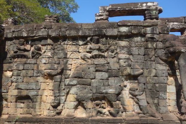 Sculpture des temples d'Angkor blog photo https://yoytourdumonde.fr