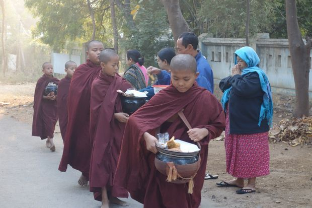 temple-moine-bouddhiste-travelling-voyage