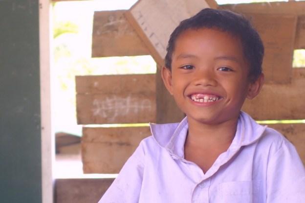4000 iles au laos rencontre avec des élèves photo blog voyage tour du monde https://yoytourdumonde.fr