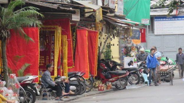 Voyage au Vietnam: Dans l'ancien Hanoi les rues avaient le nom des magasins et atelier presents.
