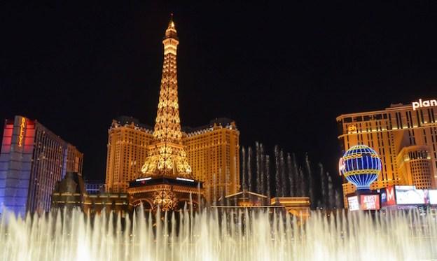 Il y a une superbe replique de la Tour Eiffel à Las Vegas de plus de 150m de haut photo blog voyage tour du monde https://yoytourdumonde.fr