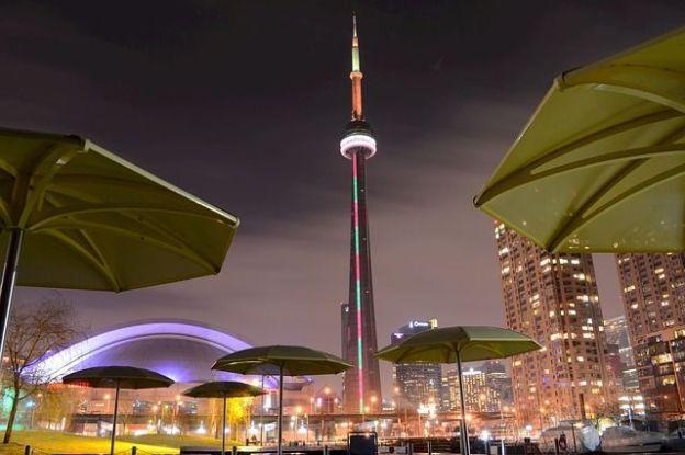 La ville de Toronto est l'une des villes les plus visités d'Amerique et je comprend tant il y a des choses à faire et à voir photo blog voyage tour du monde https://yoytourdumonde.fr