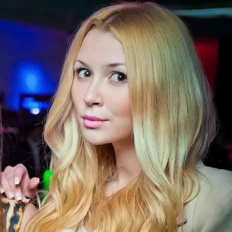 Дочь Анастасии Заворотнюк впервые показала бойфренда