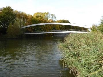 Wandel- en fietsbrug over vestingen - Walking and cyclebridge on ramparts - Pont de piétons en vélossur les ramparts ©YRH2015