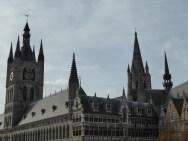 Lakenhallen en stadhuis - Cloth and City Hall - Halles aux draps et hotel de ville ©YRH2015