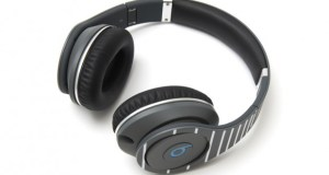fragment design beats by dre studio headphone 1 620x413 - Beats by Dre x fragment design - Studio Headphones