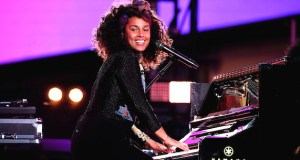 675455669KC00033 Alicia Key - Event Recap: Alicia Keys Performs Concert in Times Square To Celebrate New Album #HERE @aliciakeys @QtipTheAbstract @Nas @JohnMayer @questlove