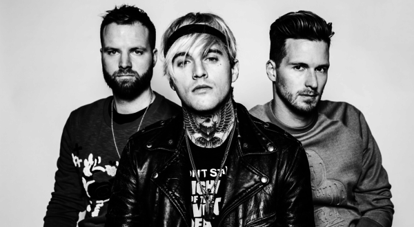 unnamed 2 - Highly Suspect - Little One @Highly_Suspect