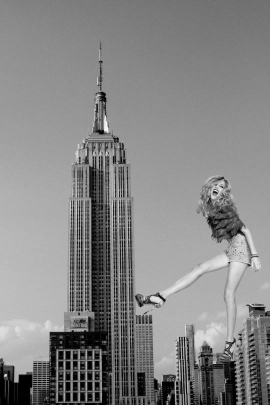 AlexandraSzebenyik 22rule the world22 540x810 - Artexpo New York 40th anniversary April 19-April 22, 2018 @ArtexpoNewYork