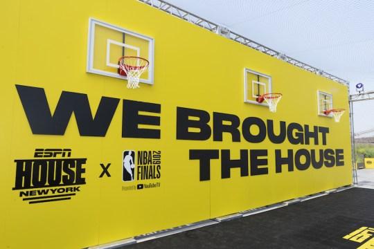 RS664030 2019 6 5 ESPN NBA Finals Pier 17 007 540x360 - Event Recap: ESPN House: New York / 2 Chainz Concert for #NBAFinals @espn @Pier17NY @2chainz @Rjeff24 #ESPNHOUSE
