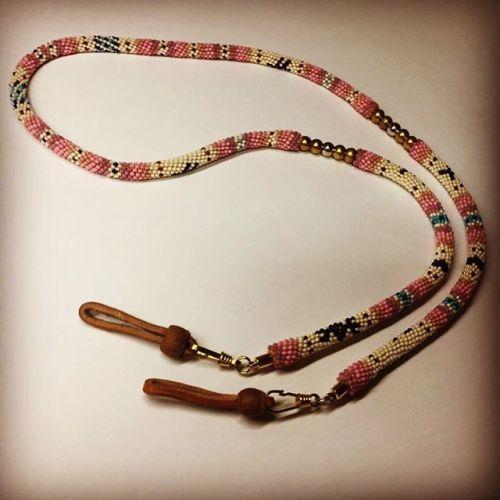 #grasscord #walletrope? #junkyclassics #handmade #beadwork #pink #buffalotracks