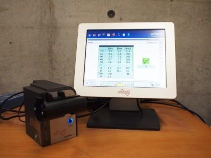 精度測定器pic