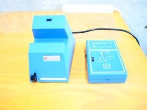 (写真右)検磁機 (写真左)脱磁機 pic