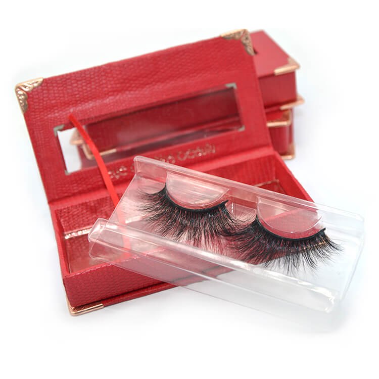 eyelashes and custom red box