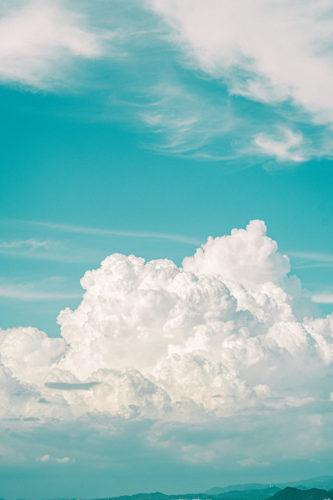夏の雲を帰省中に残した。なぜ夏の雲はこんなにもディティールがくっきりと見えるのか。【写真日記#3】