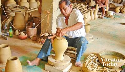 Ticul - artesano ceramica