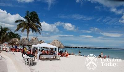 Progreso playa malecon