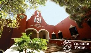 Hacienda Teya fachada escalinata