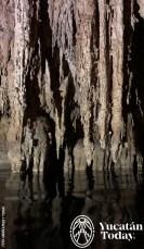Hacienda-Mucuyche-cenote-azul-estalactitas