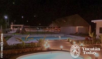 Cabanas-y-piscina-by-Hameki