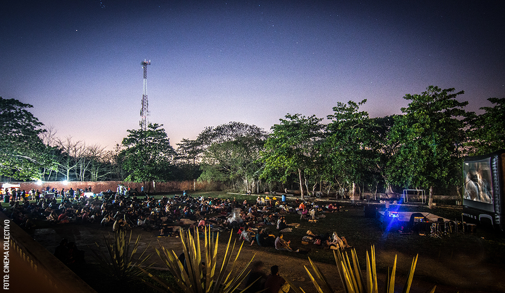Noches de cine bajo las estrellas en Mérida
