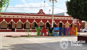 Yaxkukul Palacio Municipal y Letras