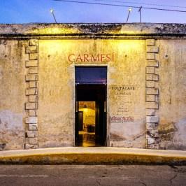 Plaza-Carmesi-fachada-facade-entrada-by-Jasson-Rodriguez