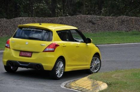 2012-Suzuki-Swift-Sport-02