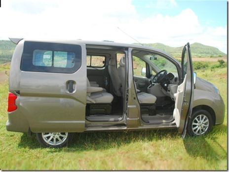 ashk-leyland-stile-first-drive-mpv-new-car-image-pic-photo-evalia-based-13102013-m6_560x420