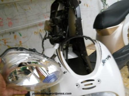 Lampu depan scoopy 9