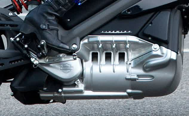061814-harley-davidson-livewire-electric-sipausa_13362382-close-up-633x388
