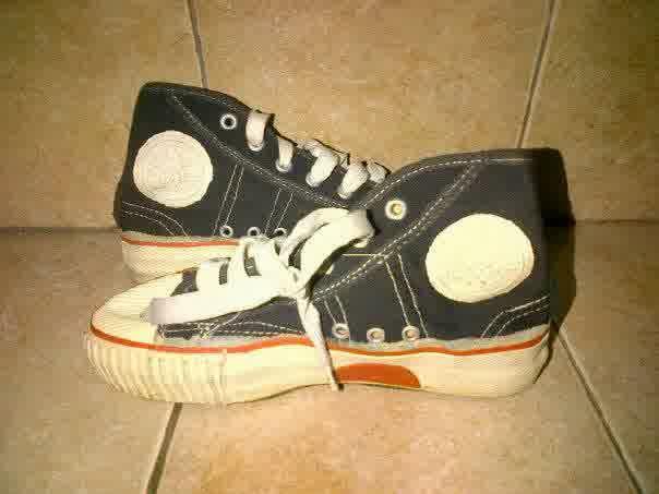 sepatu warior