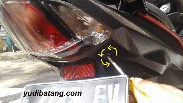 lampu belakang Yamaha Mio