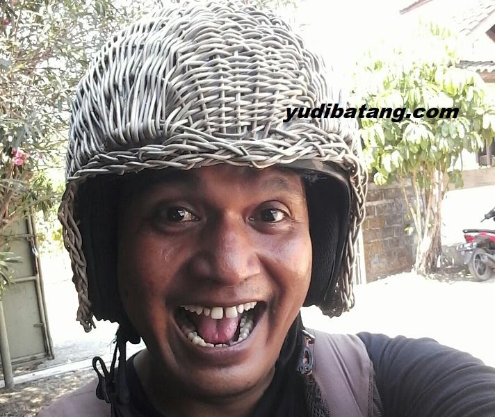 naik motor ke masjid