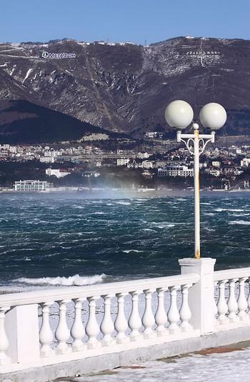 Зима в Геленджике: норд-ост, шторм (фото и видео, 2012 год ...