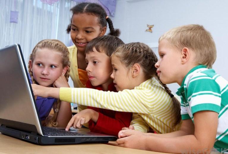 विद्यालयमा अध्ययनरत बालबालिकामा इन्टरनेटको अधिक प्रयोग मानसिक समस्या