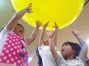 5/14所沢市にて開催。子育てHUGフェスのイベント、サイエンスショーのイメージ画像