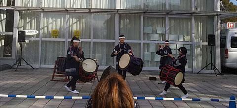 志多らの和太鼓の演奏