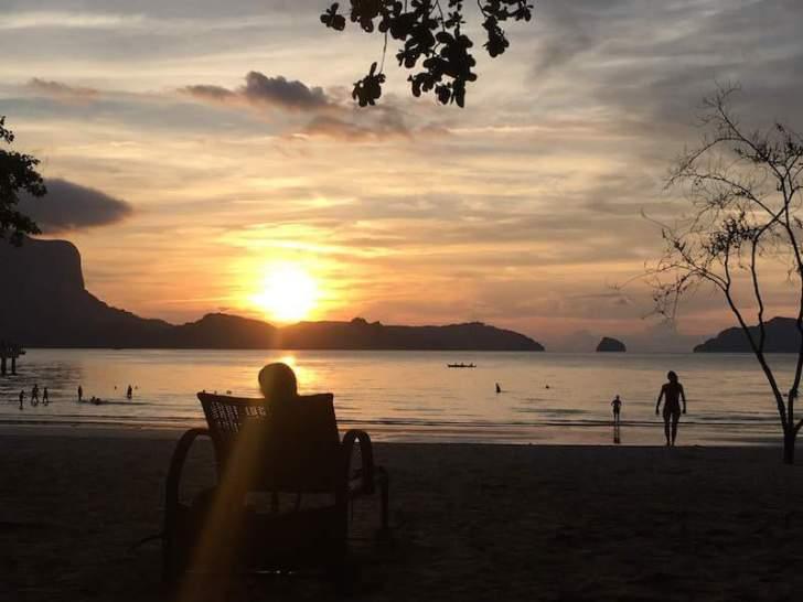 リオビーチに沈む夕日