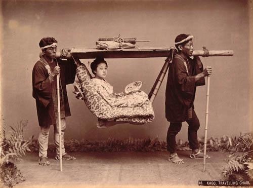 Kusakabe_Kimbei_-_49__Kago,_Travelling_Chair