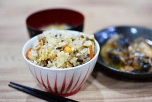 【土鍋で作るホタテときのこの炊き込みご飯】料理レシピ♪きのことホタテが香ばしいです♪