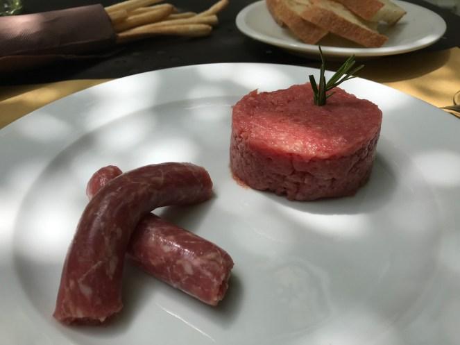 前菜€9.00ブラ名物生ソーセージサルシッチャ・ブラ