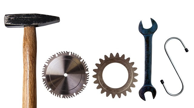 Donate your spare tools to YuKonstruct!