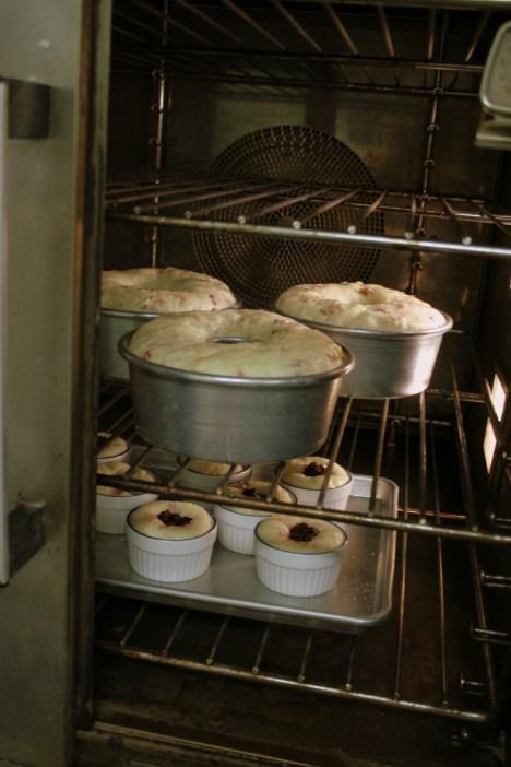 Panettones a' bakin'
