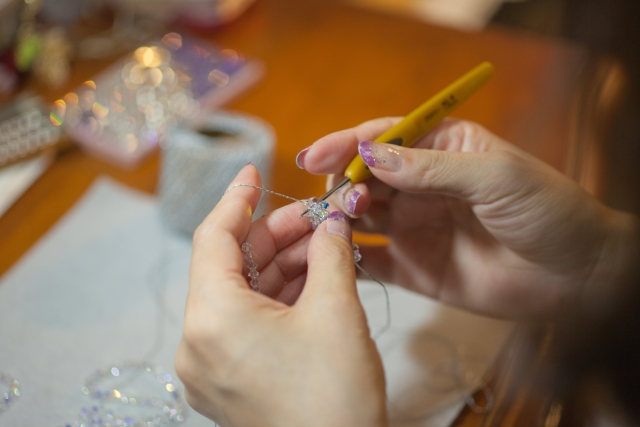 making-accessary
