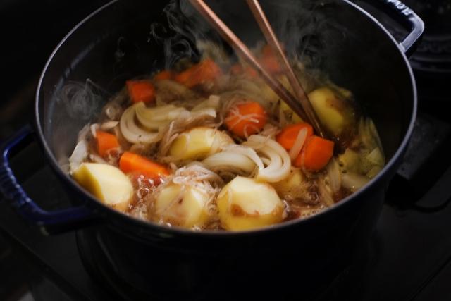 ニンジン料理を作る