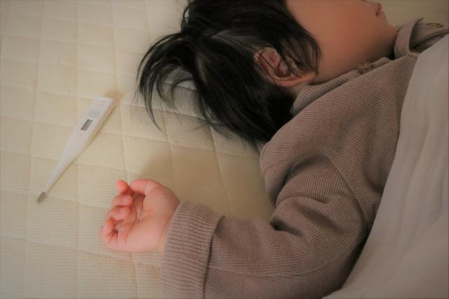 子供を看病する