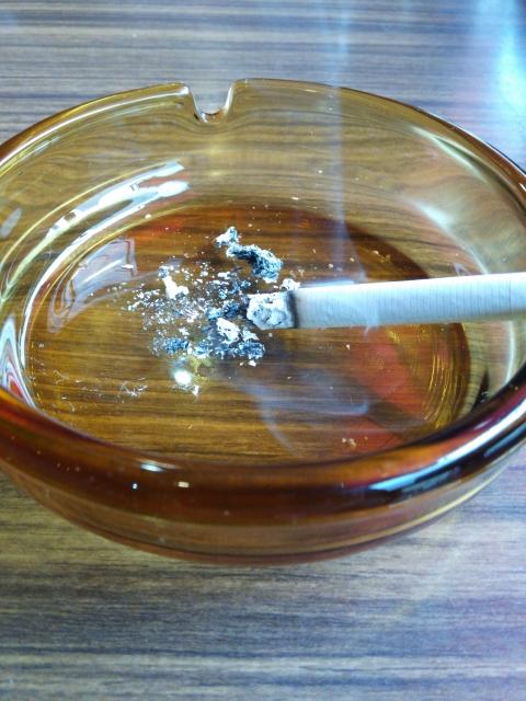 タバコの灰