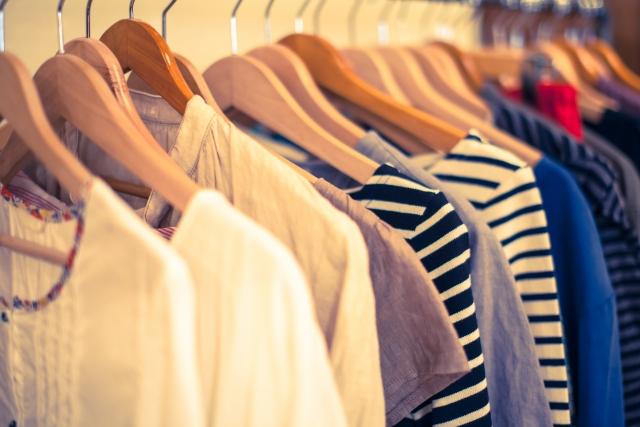新しい服を買う